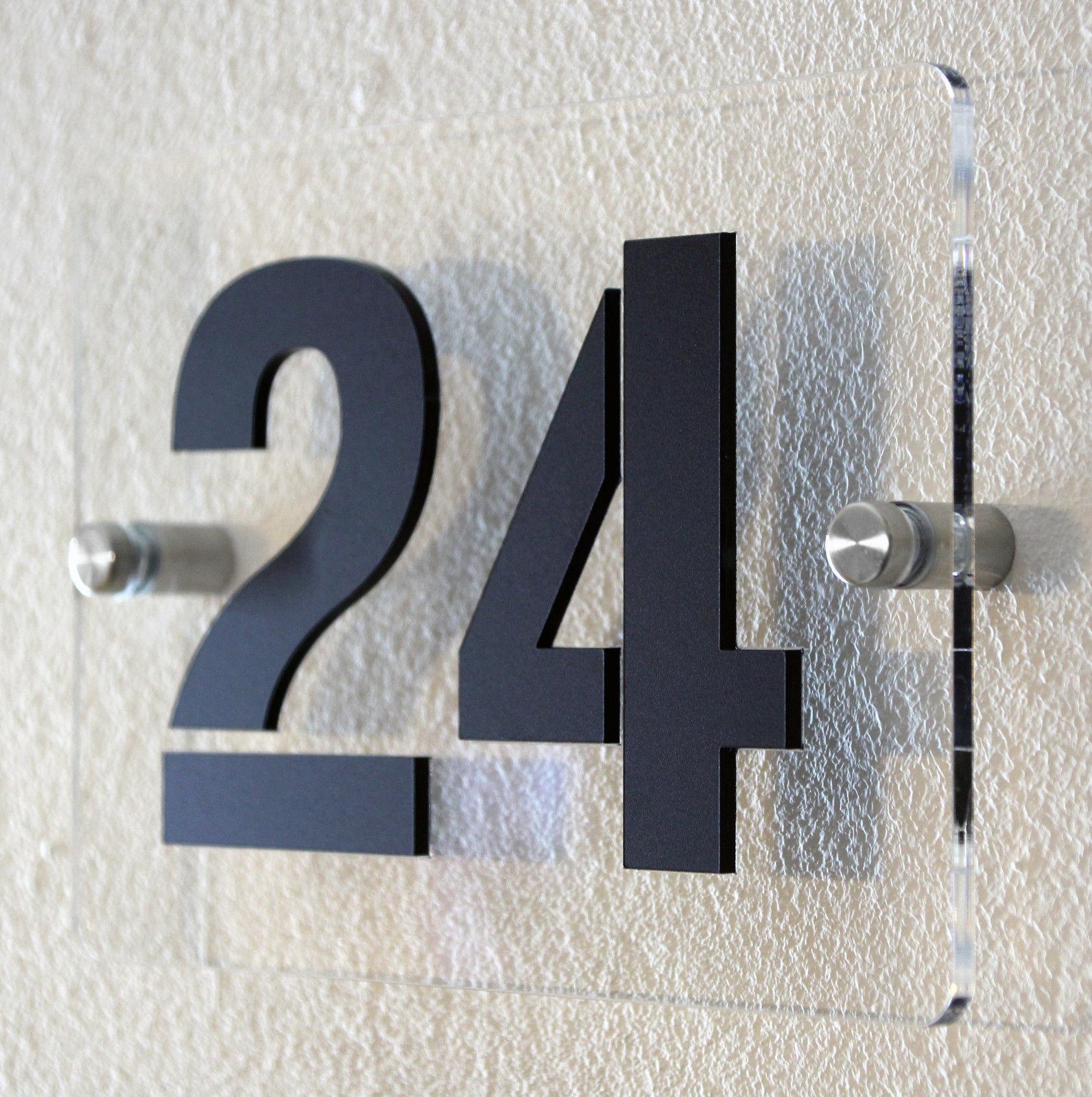 hausnummern hausnummer in schwarz und wei verschiedene. Black Bedroom Furniture Sets. Home Design Ideas
